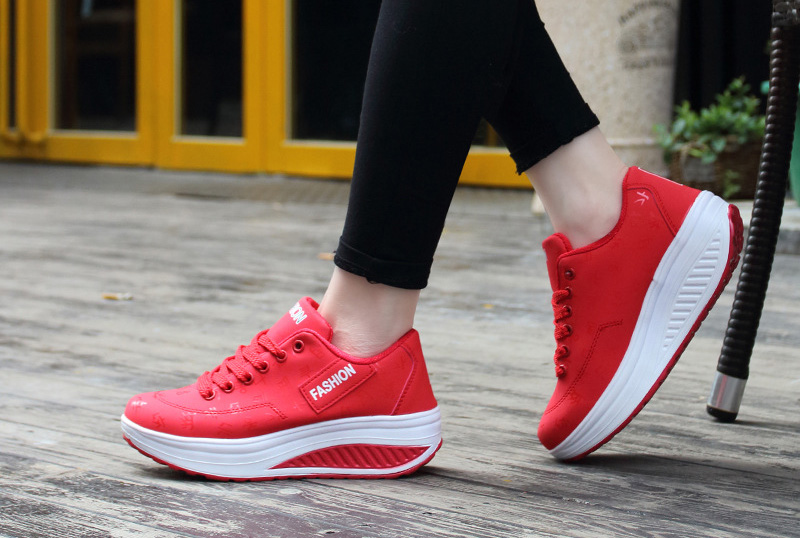 Sport shoes woman 2020 fashion solid sneakers women running shoes breathable PU wedges lace-up shoes women sneakers plus size