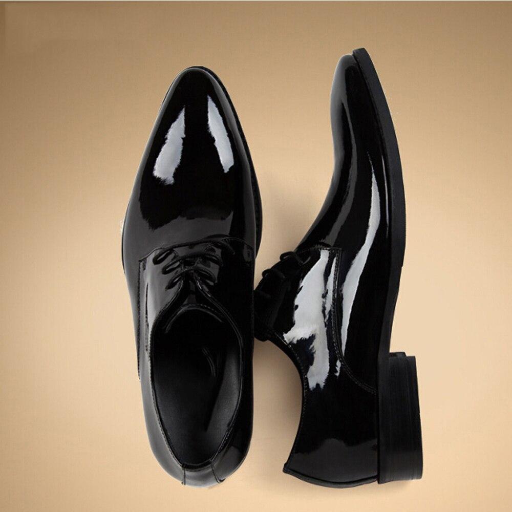 Marca de lujo para hombre negro charol zapatos de vestir zapatos derby inconformista italiano jefe brillante zapatos elegantes p.