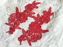 10Pcs Venise Lace Appliques Red Flower Embroidery Polyester Embroidered Wedding Dress 2017 Sewing Accessories embroidered flower appliques skirt