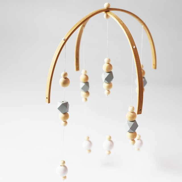 Mobile Bébé suspendu perles en bois 5