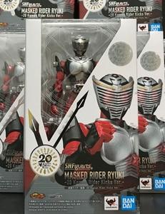 Image 4 - ของแท้ BANDAI SPIRITS S.H. Figuarts Masked Rider Ryuki Kamen Rider Ryuki   20 Kamen Rider เตะ Ver.   Action Figure