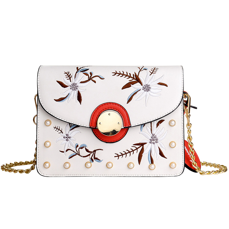 New Elegant Women Messenger Bags Chains Strap Shoulder Bags Phone Bags Flap Purses Embroidered Flowers Crossbody Female Bags Sac