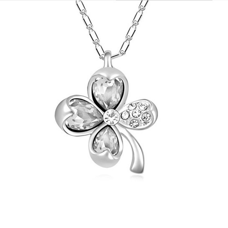 Leaf Clover Choker Crystal Necklace 3
