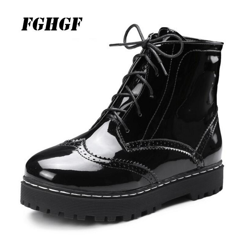 In the fall and winter of 2018 flat Front lace up Round head Pure color Ms. Big yards Martin boots leisure business Female boots