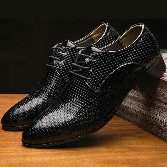 2018 новинка Мужские модельные туфли Мужская деловая обувь Кожа Роскошные модные жениха свадебные туфли Для мужчин Оксфорд обувь