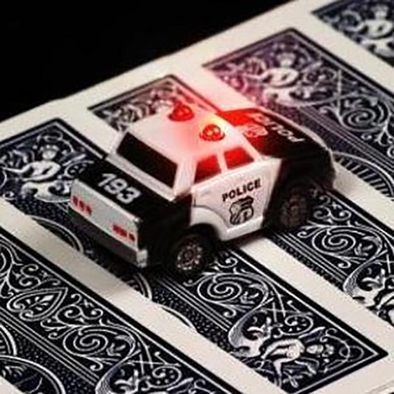 Den japanska bilen för att hitta ett kort (hitta kort) Magic rekvisita magiska tricks