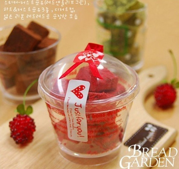 240Pcs 2019 Hot Sale JUST FOR YOU Heart Handmade Cake Packaging Sealing Label Kraft Sticker Baking DIY Gift Stickers M1044