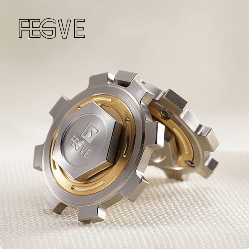 FEGVE Titanium Alloy Gear Fidget Spinner Hand Spinner Finger Tri-Spinner Metal  EDC 688 Ceramic Bearings Handspinner Toys FG31 game darts legering metalen wapen model draaibaar darts cosplay props voor collectie fidget spinner hand anti stress