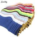 Nuevo 2017 Calcetines de Las Mujeres de Moda Femenina En Tubo Calcetines de Algodón de Las Señoras Solid Casual Lindo Calcetines Calientes Para Mujer 4 unids = 2 par/lote