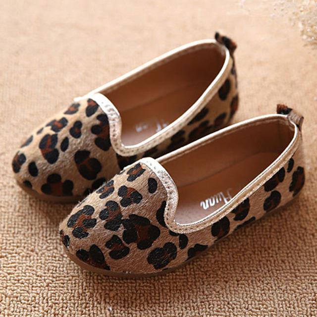2017 Primavera Niña Del Pelo Del Caballo Zapatos de Leopardo Niño Niñas Ballet Shoes Resbalón de Los Niños Zapatos Planos Ocasionales de los Niños mocasines
