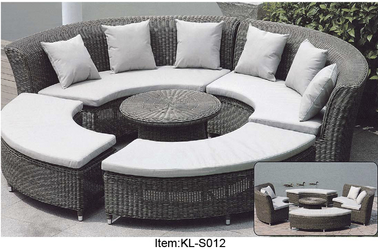 Outdoor Rattan Garden Furniture Round Rattan Sofa Set Pe