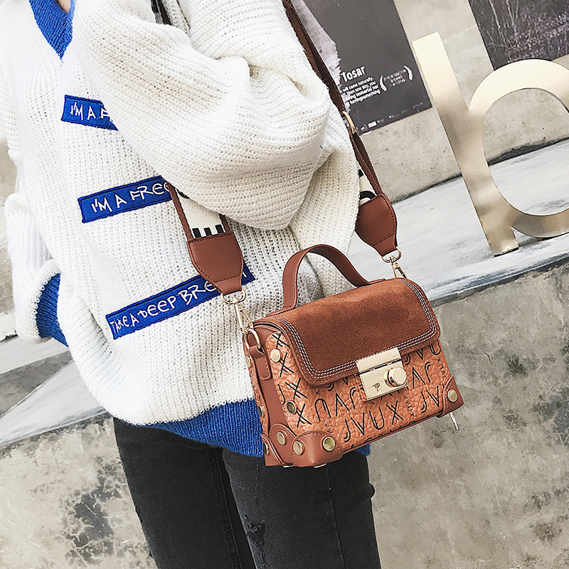 Lock totes Women Letter handbags shoulder bags Scrub PU Rivet Fashion 2018  crossbody bags new flap Letter Shoulder strap handbag  3399a108be39a