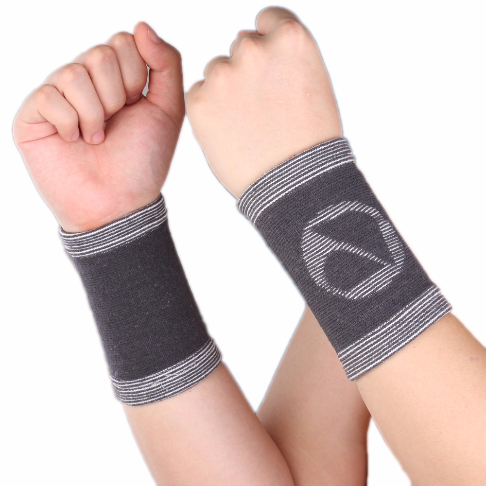 1 Pair Bamboo Charcoal Wrist Sleeve Support Band Brace Bandage Athlete Sports Basketball Protection - Gray A31