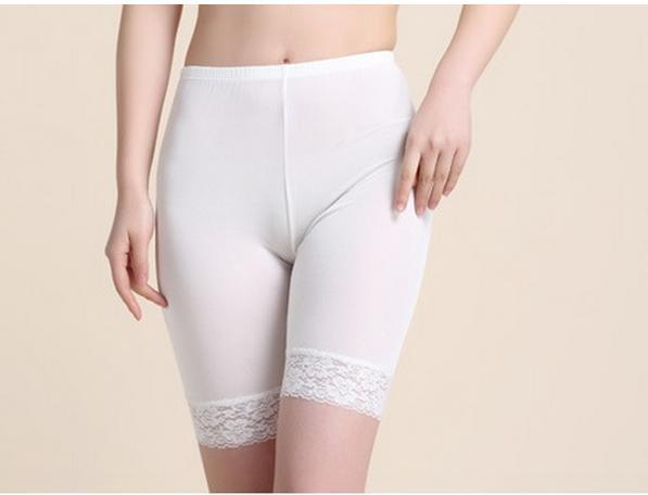 100% Silk High Quality Women Summer Safety Short Pants Cool Hem Lace Boxer Shorts Briefs Sexy Women's Backing Panties Knickers