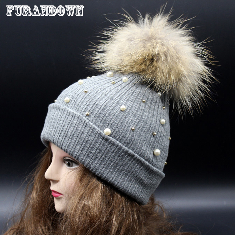 Winter Female Knitted Beanies With Pearl 100% Real Raccoon 15cm Fur Pompom Hats For Women Crochet Hat pop winter raccoon fur hats real 15cm fur pompom beanies cap natural fur hat 1pc