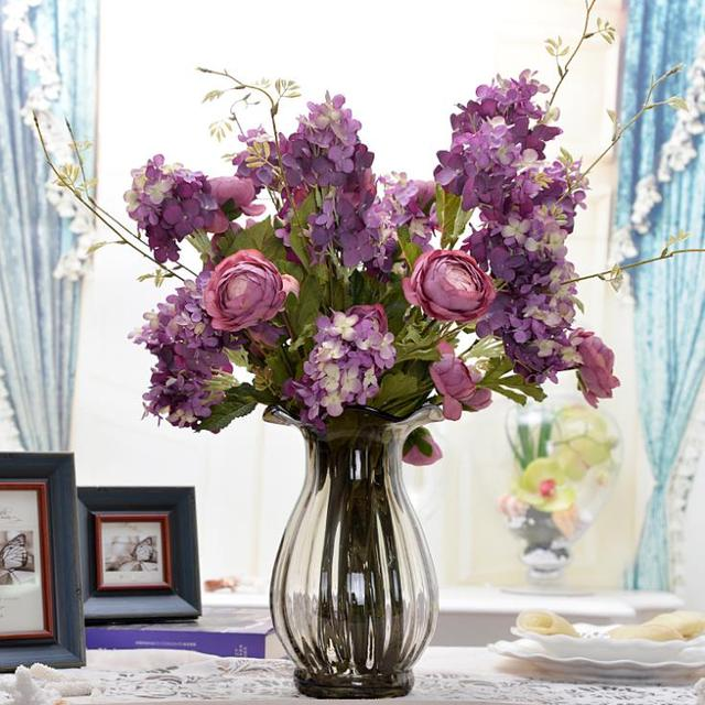 Искусственные цветы в спальне фото