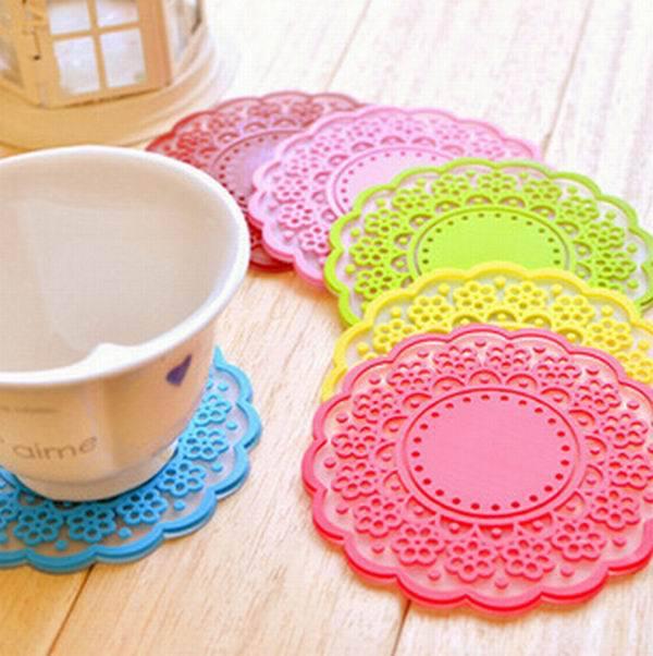 1 Piece Simple Circular Silicone Coaster Figure Hollow Heat Insulation Pad Mat Random Color