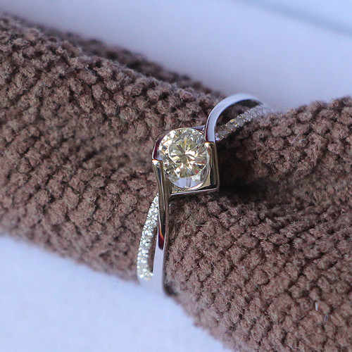 Lovely Design Twist Arms Style 0.5CT Lovely Synthetic Diamonds Female Marriage Ring Pure Silver Fine Jewelry Last Forever