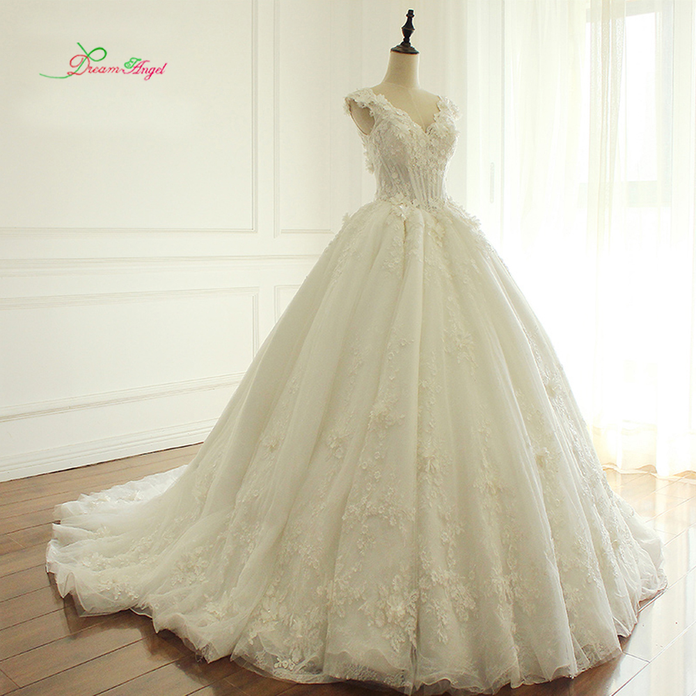 Dream Angel Elegant Flowers Lace Princess Wedding Dress