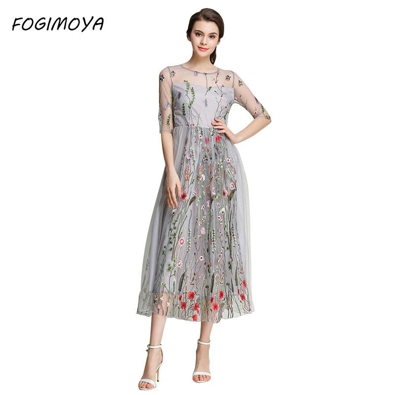 Платье из цветов вуали