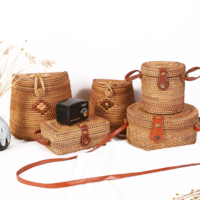 Woven Rattan Bag Round Straw Shoulder Bag Small Beach HandBags Women Summer Hollow Handmade Messenger Crossbody Bags 5