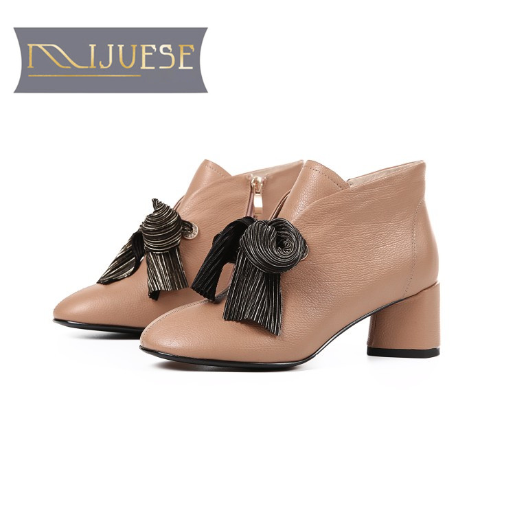MLJUESE 2018 women ankle boots cow leather Rome style black color high heels winter short plush