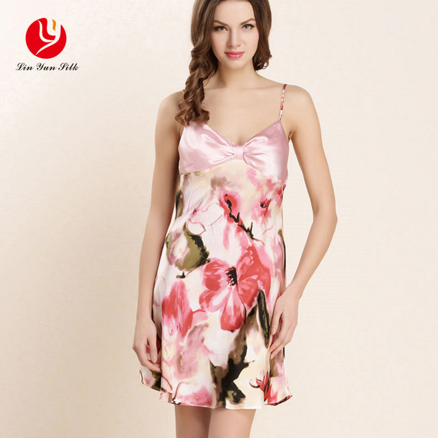 LIN YUN 2017 Female Nightdress Summer Style Real Silk Nightgowns Women Sexy V Neck Sleepwear Women Clothing Sleeveless Nightwear