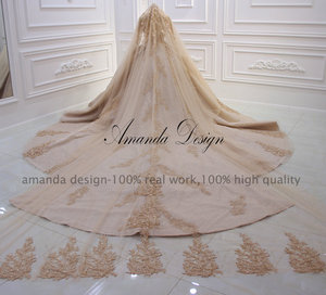 Image 5 - Amanda Ontwerp robe de mariee courte Luxe Lange Mouwen Puffy Baljurk Crystal Glanzende Trouwjurk 2019