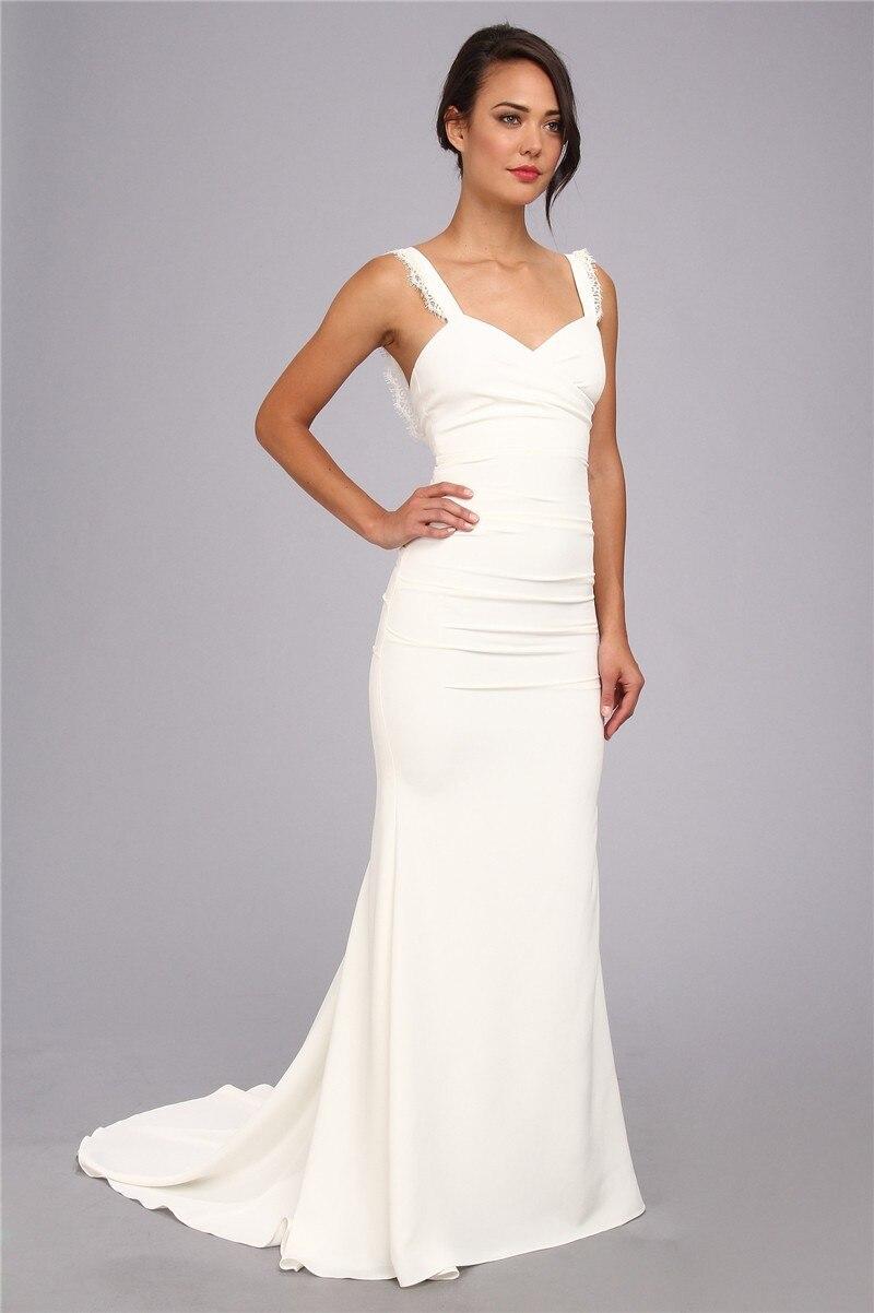 Vestido branco simples e longo