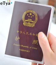 eTya nowy przezroczysty PVC kobiety mężczyźni Travel Passport Cover Bag wodoodporny ochronny rękaw z ID karty kredytowej posiadacza torby tanie tanio Akcesoria podróżne Pokrowce na paszport 18 6 cm 13 4 cm Stałe