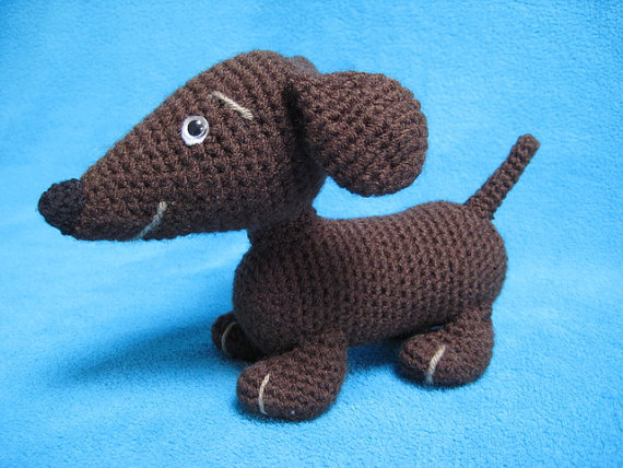 Amigurumi crochet doll - Manu the dachshund sausage dog PATTERN ... | 428x570