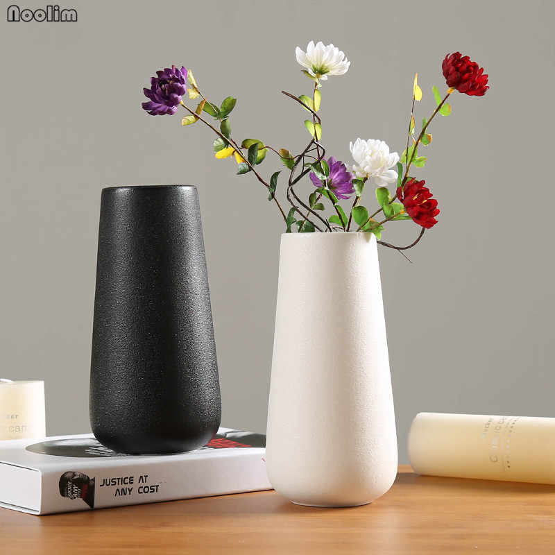 Ceramic Vase Nordic White Black Vase Chinese Crafts Home Table Decoration Accessories Flower Container for Living Room Ornaments