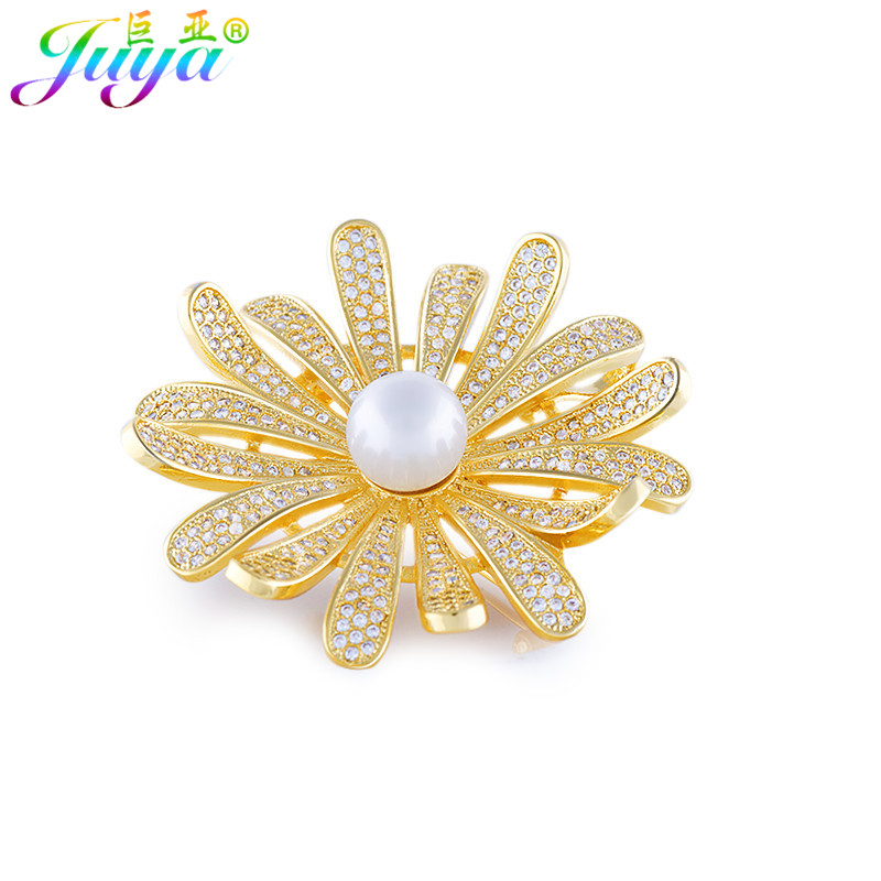 Micro Pave Zircon Copper Pearls Flower Pins Scarf Pearls Decorative Pins Brooches For Women Sweater Uniform Dress Christmas Gift