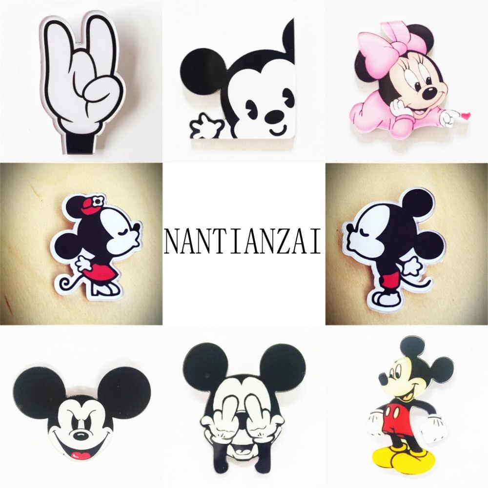 7678a90b9a4f New arrival 1PCS Kawaii Mickey Minnie Series Pin Badge Cartoon Acrylic  Badges Icons on The Backpack