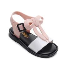 Mini Melissa Mickey łuk buty 2019 nowe letnie dziewczyny buty galaretki dziewczyny antypoślizgowe dzieci sandał na plażę maluch sandały księżniczka tanie tanio Unisex Slip-on Skóra lakierowana Płaskie Obcasy Ankle wrap Urok Mieszkanie z Pasuje prawda na wymiar weź swój normalny rozmiar