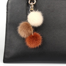 цена на Fashion Luxury Fluffy Grapes Real Genuine Mink Fur Pompom Keychain Pendant For Women Fur Pom Pom Key Chain For Girls Bag Charm