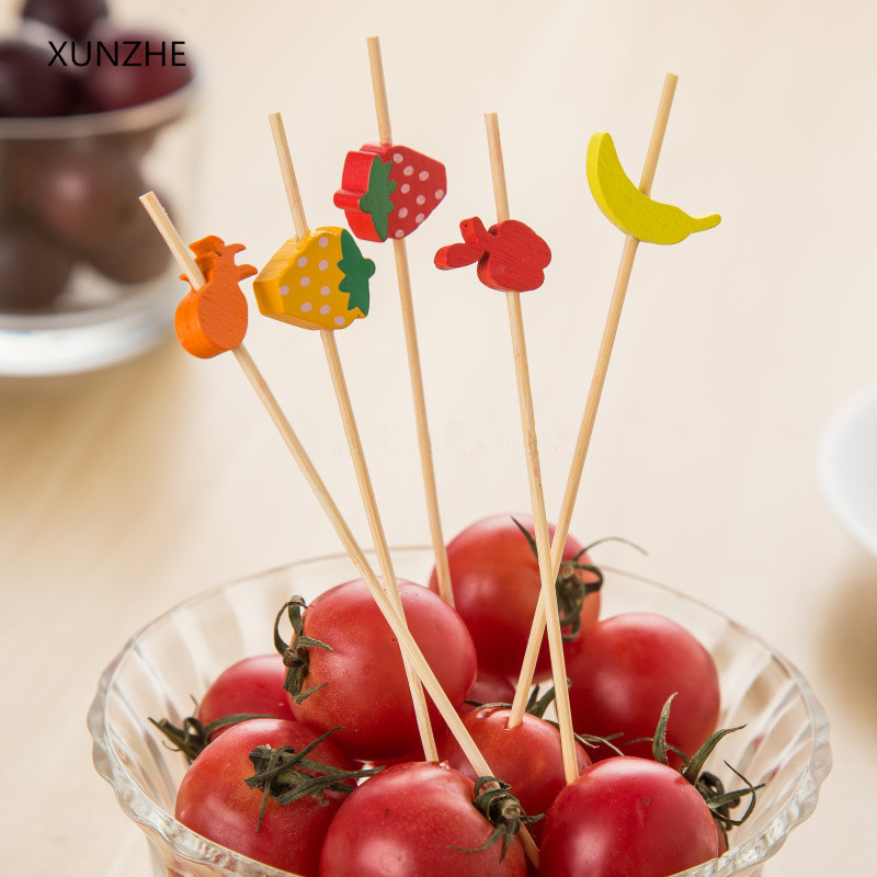 XUNZHE New 12cm 100pcs bag Disposable Christmas Fruit Fork Creative Cocktail Sign Pastry Decoration Sign KTV Party Bar in Forks from Home Garden