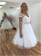 2019 Simple Short Wedding Dresses Sexy V Neck Cap Sleeve Knee Length Summer Plus Size Bead Sash Beach Bridal Gown