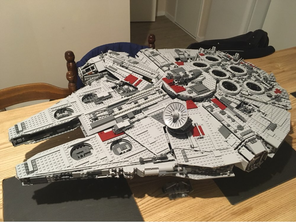 lepin 05033 Star Wars Ultimate Collector Millennium Falcon Model Building Blocks Kit Brick Toy Compatible 10179 kid gift set lepin 05033 wars 5265pcs star ultimate 10179 collector s millennium toys falcon model building kit blocks bricks children toy