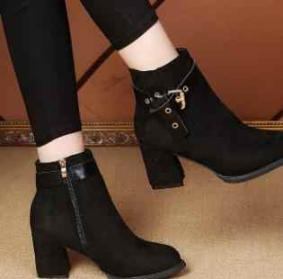 2018 г. Новая женская хлопковая обувь с круглым носком на высоком толстом каблуке, с ремешком и пряжкой, увеличивающая рост.