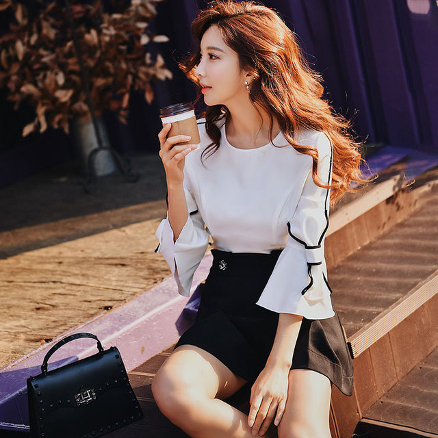Dabuwawa Spring White Loose Bow Blouses Women 2019 New Solid Flare Sleeve Fashion Elegant Shirts Top for Office Lady DN1AST006