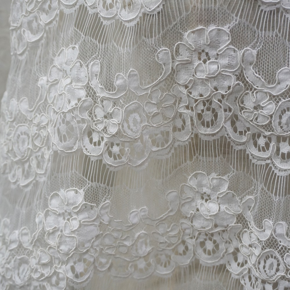300CM wide eyelash cording lace fabric Off white Black in stock 1 Yard price Scallop lace