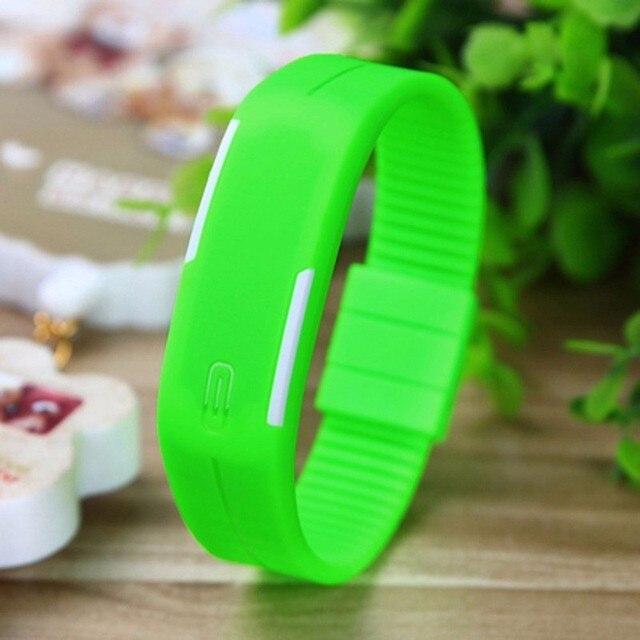Coréen amoureux hommes femmes montres LED Montre numérique montres électroniques calendrier créatif coloré en caoutchouc Montre intelligente Femme 1