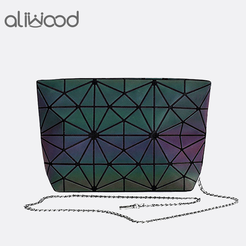 aliwood-brands-luminous-geometric-women-bags-chain-shoulder-bags-clutches-travel-cases-makeup-holographic-female-messenger-bags