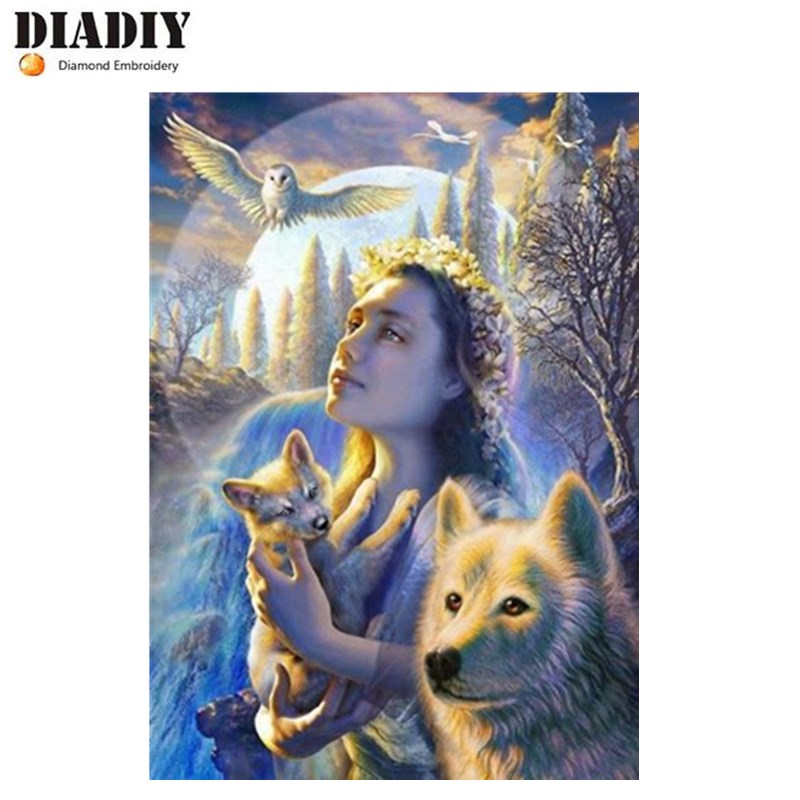 Full SquareRound Drill 5D DIY Diamond Painting Girl holding a coyotes 3D Embroidery Cross Stitch Mosaic Home Decor
