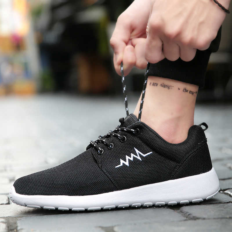 Men Running Shoes Couple Sneakers Cushioning Outdoor Women Sport Shoes Jogging Athletic Shoes Male Trainer Zapatillas Hombre