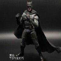 Movie Lifelike Batman VS Superman Figure Justice League Weapon Iron Man Bruce Wayne Action Figure Model Collection Toy