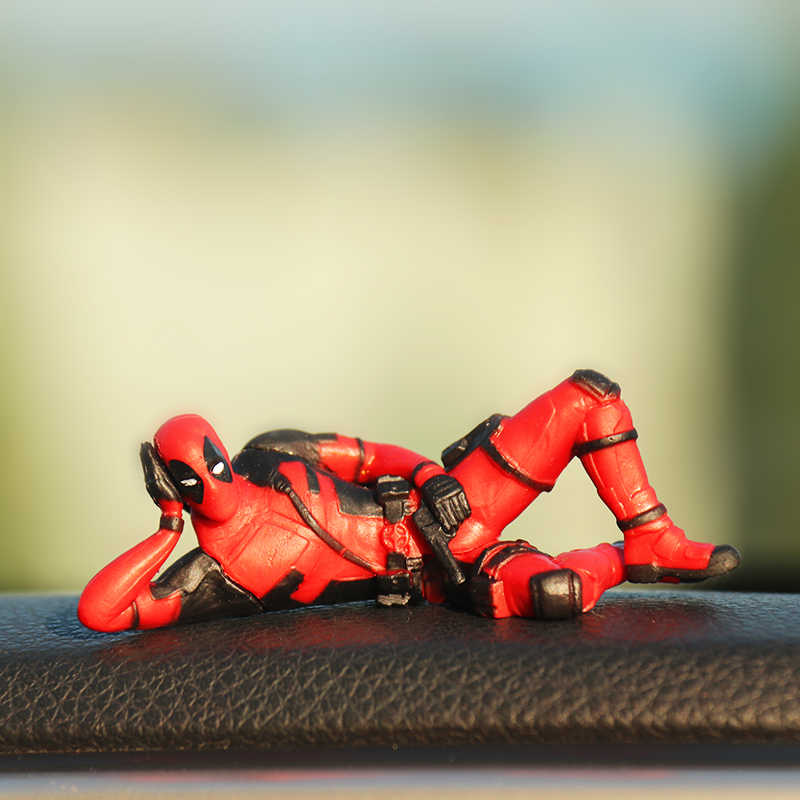 Marvel x-men Deadpool osobowość ozdoba samochodu figurka siedząca Model Anime mała lalka dekoracja samochodu akcesoria samochodowe