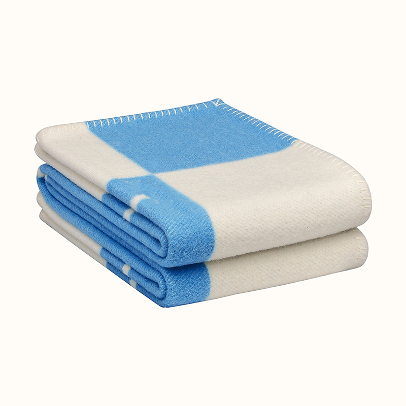 Letter H shawl wool air conditioning blanket cashmere blanket to keep warm thickened good quality
