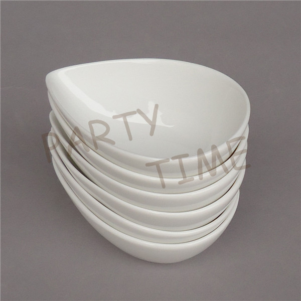 YARDWE Porcelain Gravy Boat Sauce Dipping Bowls Sauce Serving Dishes Ceramic Appetizer Dessert Plates Creative Small Dish Snack Plate for Salad BBQ Soy Tomato Sauce